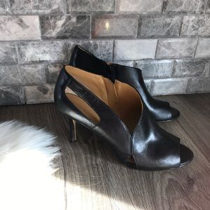 Nine West graphifoto black leather cut out heels